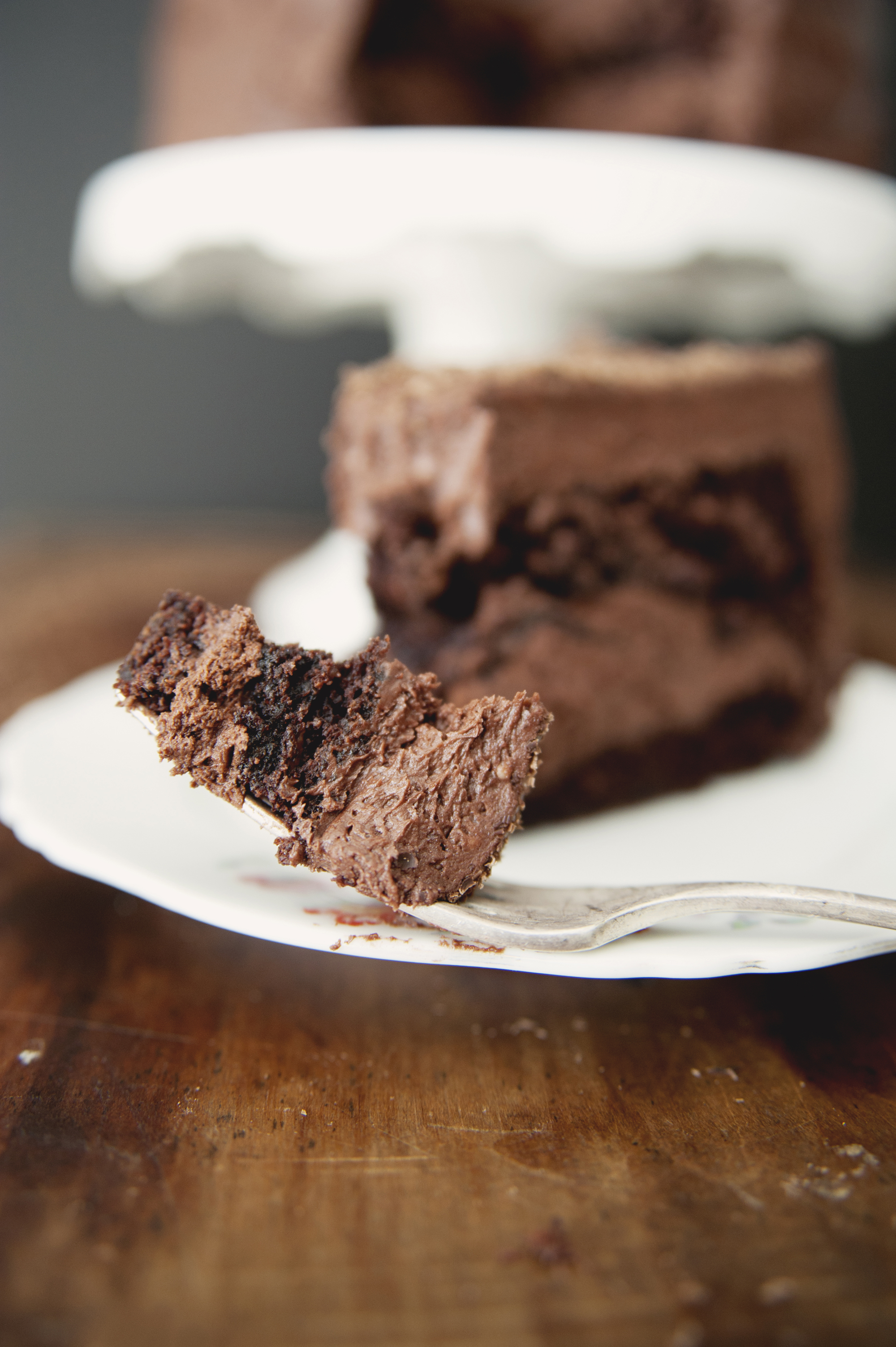 CHOCOLATE DEVIL'S FOOD CAKE - The Kitchy Kitchen