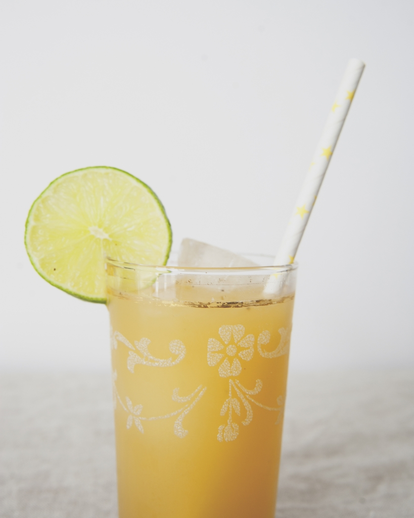 GRILLED PINEAPPLE AGUA FRESCA // The Kitchy Kitchen