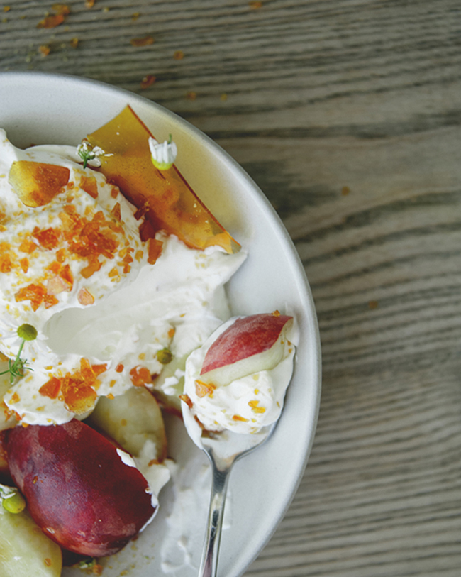 FRUIT + CHAMOMILE CREAM WITH CRUSHED TOFFEE // The Kitchy Kitchen