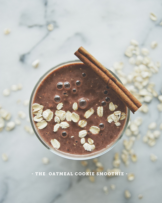 OATMEAL COOKIE SMOOTHIE // The Kitchy Kitchen