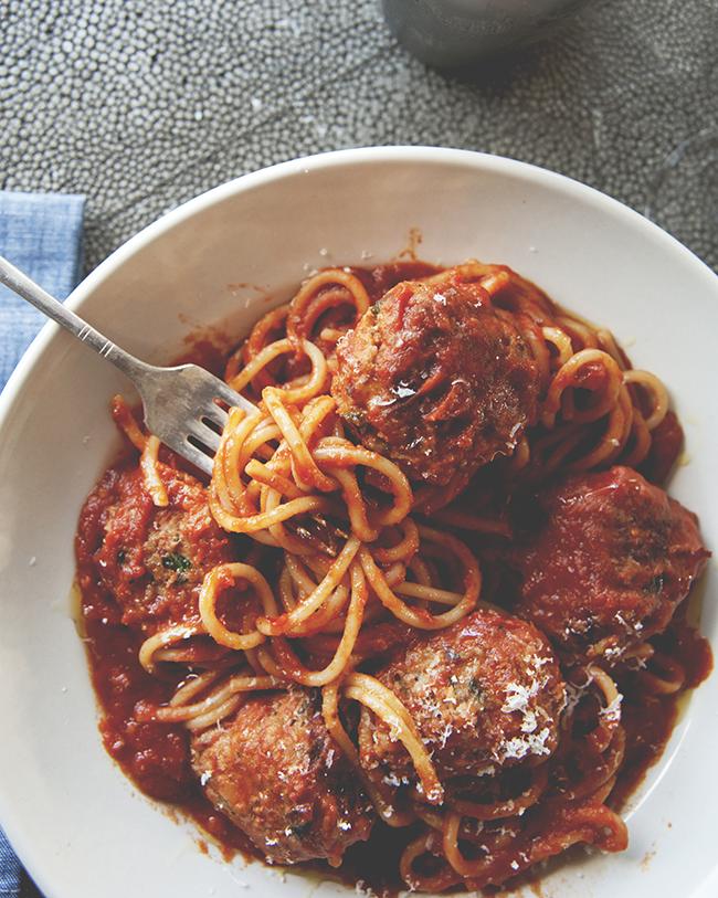 SPAGHETTI + MEATBALLS + MARTINIS // The Kitchy Kitchen