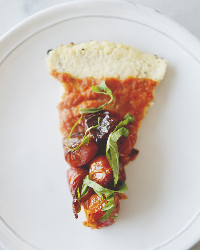 ROASTED TOMATO TART WITH PALEO CRUST // The Kitchy Kitchen