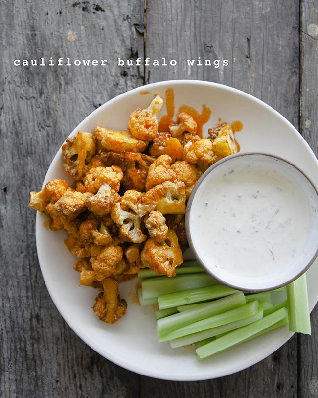 CAULIFLOWER BUFFALO WINGS // The Kitchy Kitchen