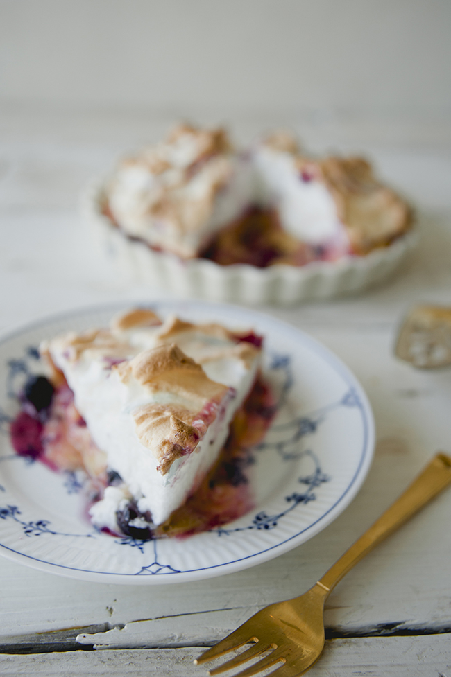 Huckleberry Lemon Meringue Pie The Kitchy Kitchen