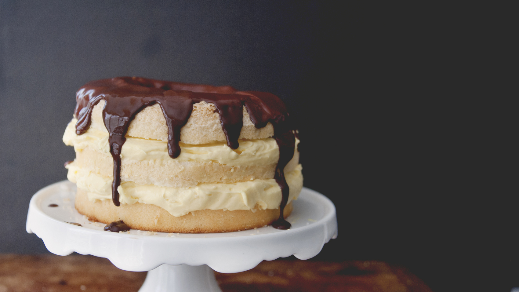 Easy Easter Desserts Easy Layered Boston cream Pie // The Kitchy Kitchen + Jell-O