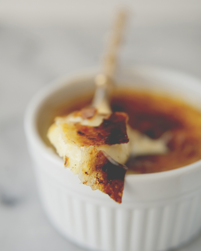CLASSIC CREME BRÛLÉE // The Kitchy Kitchen