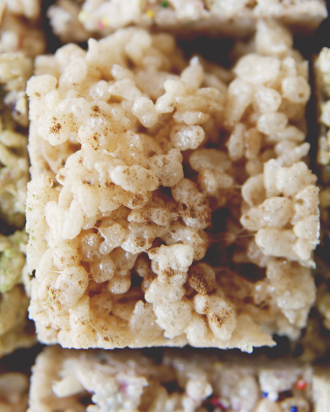 RICE KRISPIES TREATS // The Kitchy Kitchen