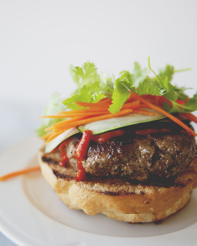 BRISKET BAHN MI BURGER // The Kitchy Kitchen
