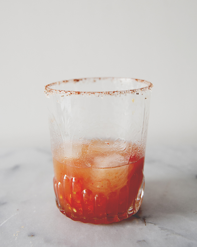 MARYGARITA COCKTIAL IN GLASS WITH ICE AND BLOODY MARY MIXTURE RIM // The Kitchy Kitchen