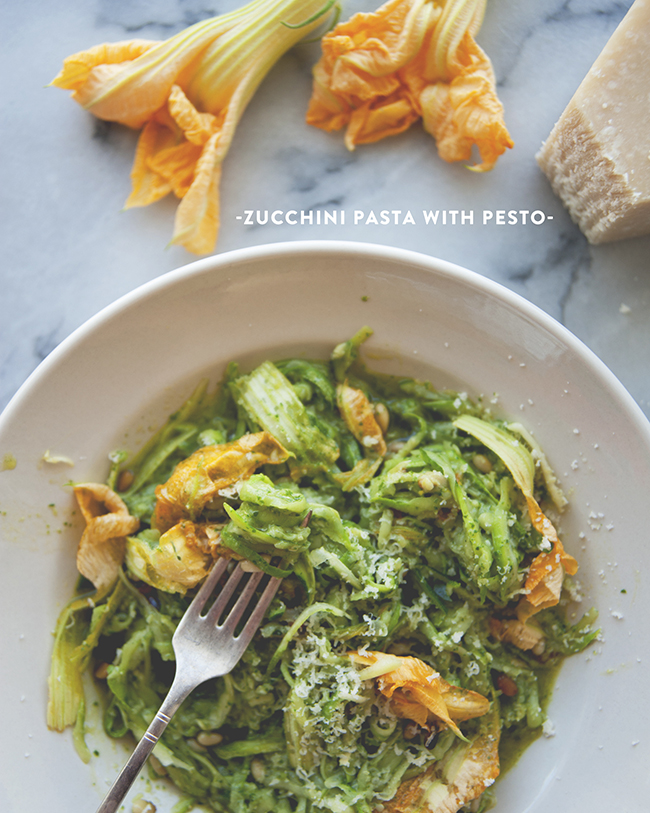 ZUCCHINI PASTA WITH PESTO // THE KITCHY KITCHEN