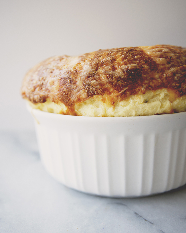 THE EASIEST CHEESE SOUFFLÉ // The Kitchy Kitchen