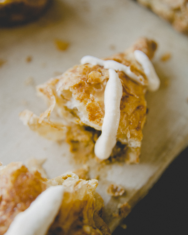 PUMPKIN TURNOVERS // The Kitchy Kitchen