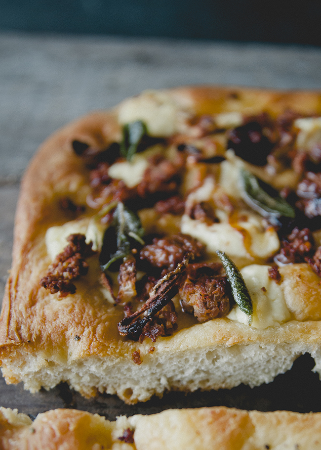 FOCACCIA 4 WAYS // The Kitchy Kitchen