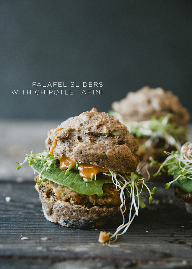 FALAFEL SLIDERS // The Kitchy Kitchen
