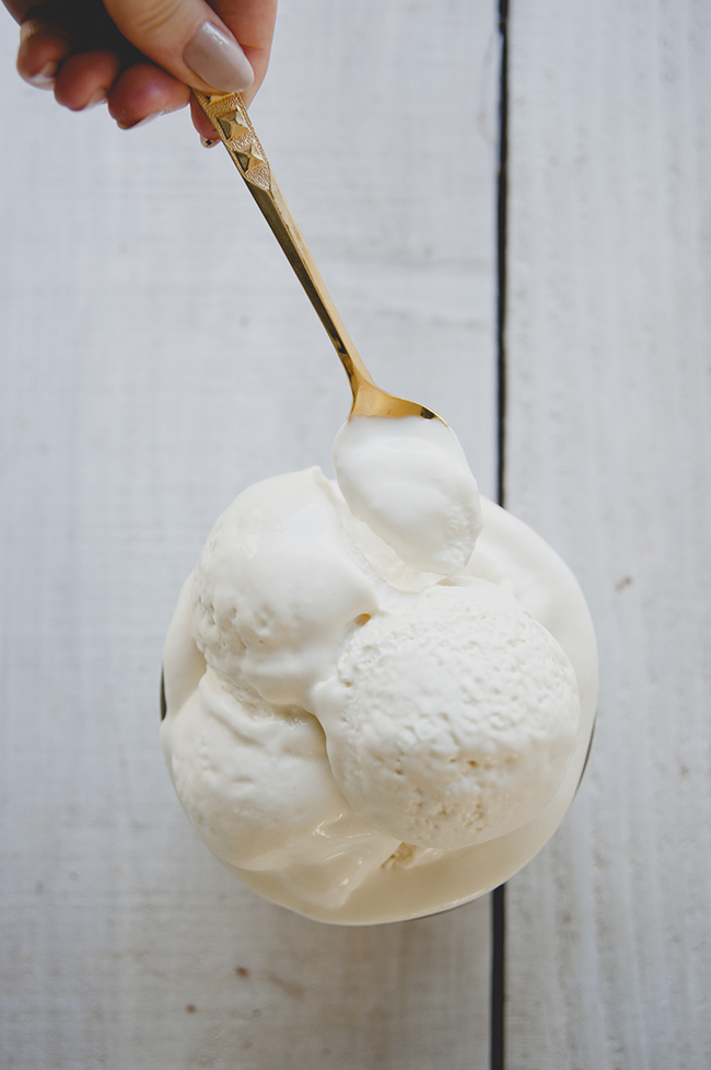 NO CHURN ICE CREAM // THE KITCHY KITCHEN