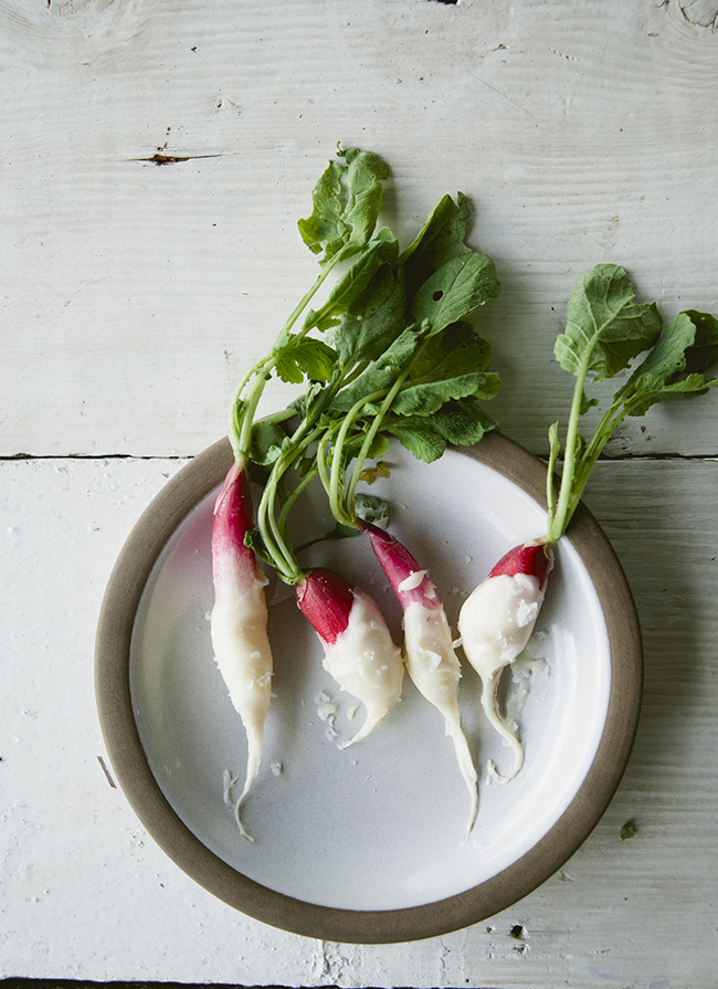 BUTTER DIPPED RADISHES // THE KITCHY KITCHEN