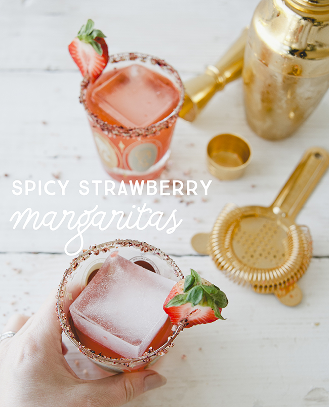 SPICY STRAWBERRY MARGARITAS // THE KITCHY KITCHEN