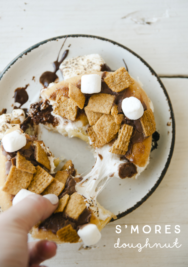 S'MORES DOUGHNUT // THE KITCHY KITCHEN